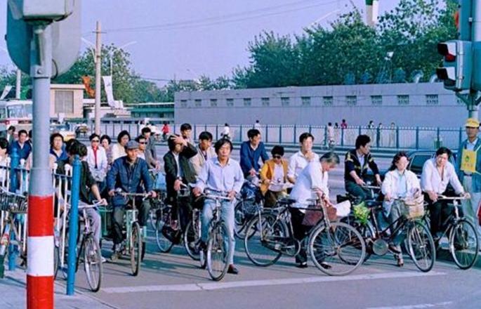 珍貴照片:1990年,談戀愛不用害羞,中國出現第一家麥當勞!圖片