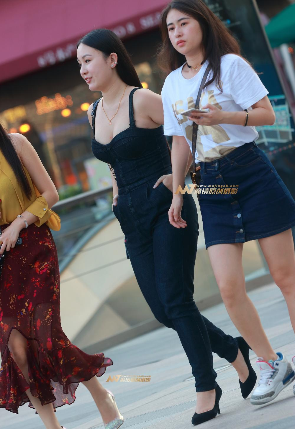 美少妇小?9?nkH_街拍720-性感黑丝连衣裤, 丰腴美少妇