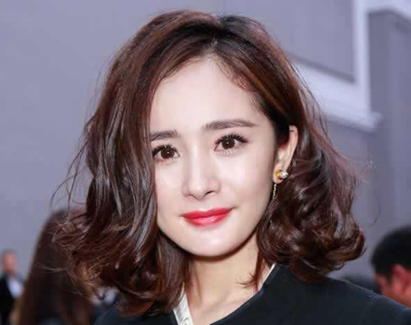 短发女明星_俏丽的短发,哪个女明星最美?