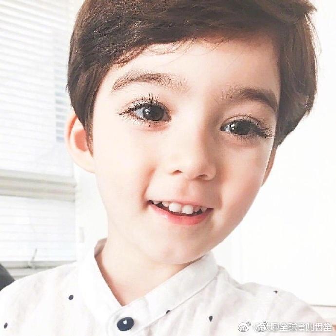 來自韓國的4歲混血寶寶cooper,這顏值直接贏到了終點線啊圖片