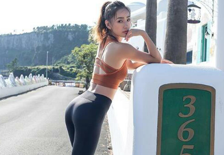 人体臀体_紧身裤能够衬托出人体曲线,让自己的腰臀显得更加的完美