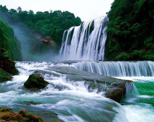 """作為""""中華第一瀑"""",也是世界上最大的瀑布群,這個夏天就來這!"""