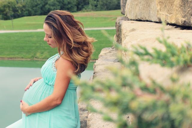 肏美丽的大屁股_屁股大,生儿子?揭穿关于怀孕生子的奇葩谣言