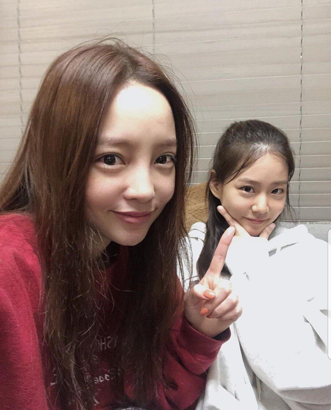 具荷拉&韩胜妍再会KARA:姐姐真是童颜