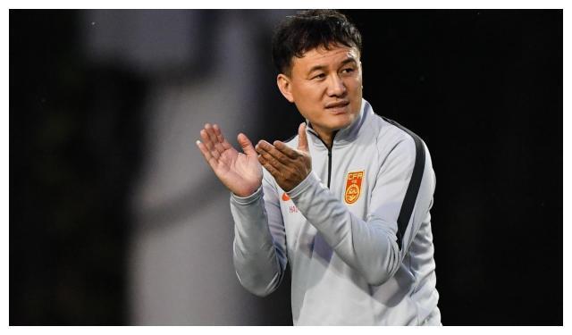 中国国奥队2-0约旦国奥!鲁能球员被红牌罚下!北京国安前锋破门