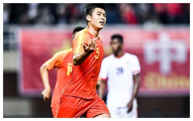 中国足球2-0约旦!锋线新星支点作用明显+独进2球,里皮可以重用
