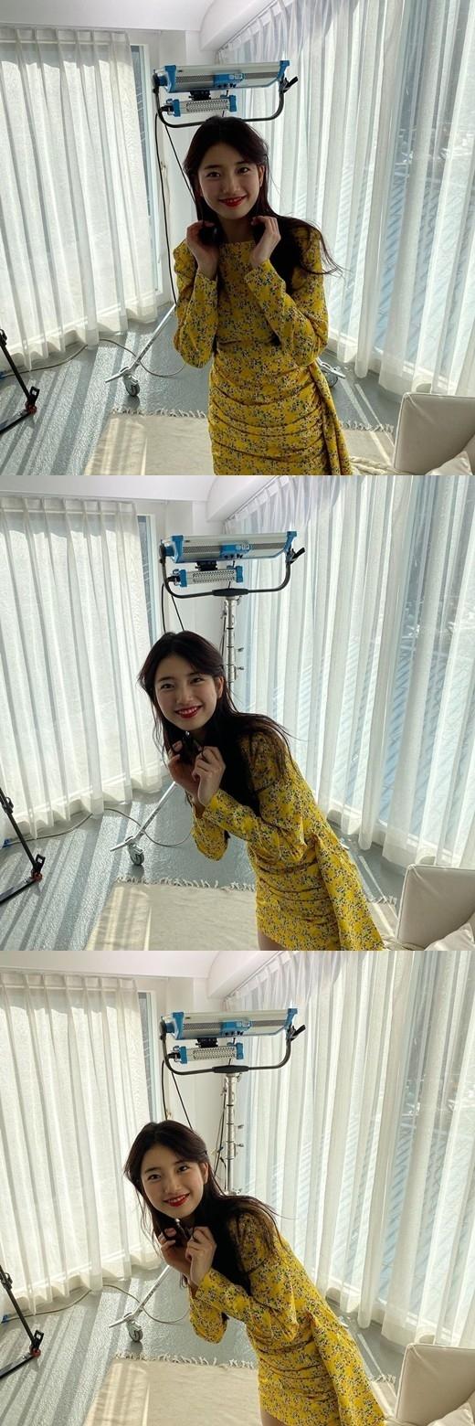 裴秀智充满可爱公开穿连衣裙的近况照片