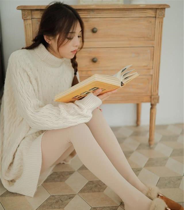 这个冬天,追逐以瘦为美的潮流中,打底袜打造你的私密魅力!