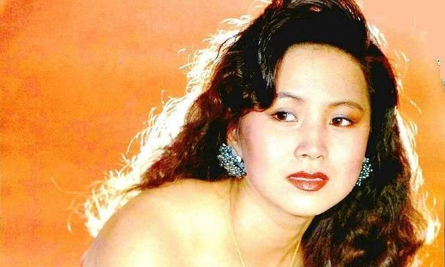 54岁赵越因戏生情,嫁给演员佟凡,结婚22年选择丁克没有孩子