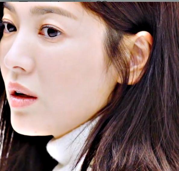 女演员宋慧乔自然化妆温柔满分 好久不见的姿态让人着迷