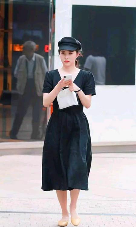 靓丽街拍,动感的时尚丽人与潇洒的潮流女郎,哪位会让你心动