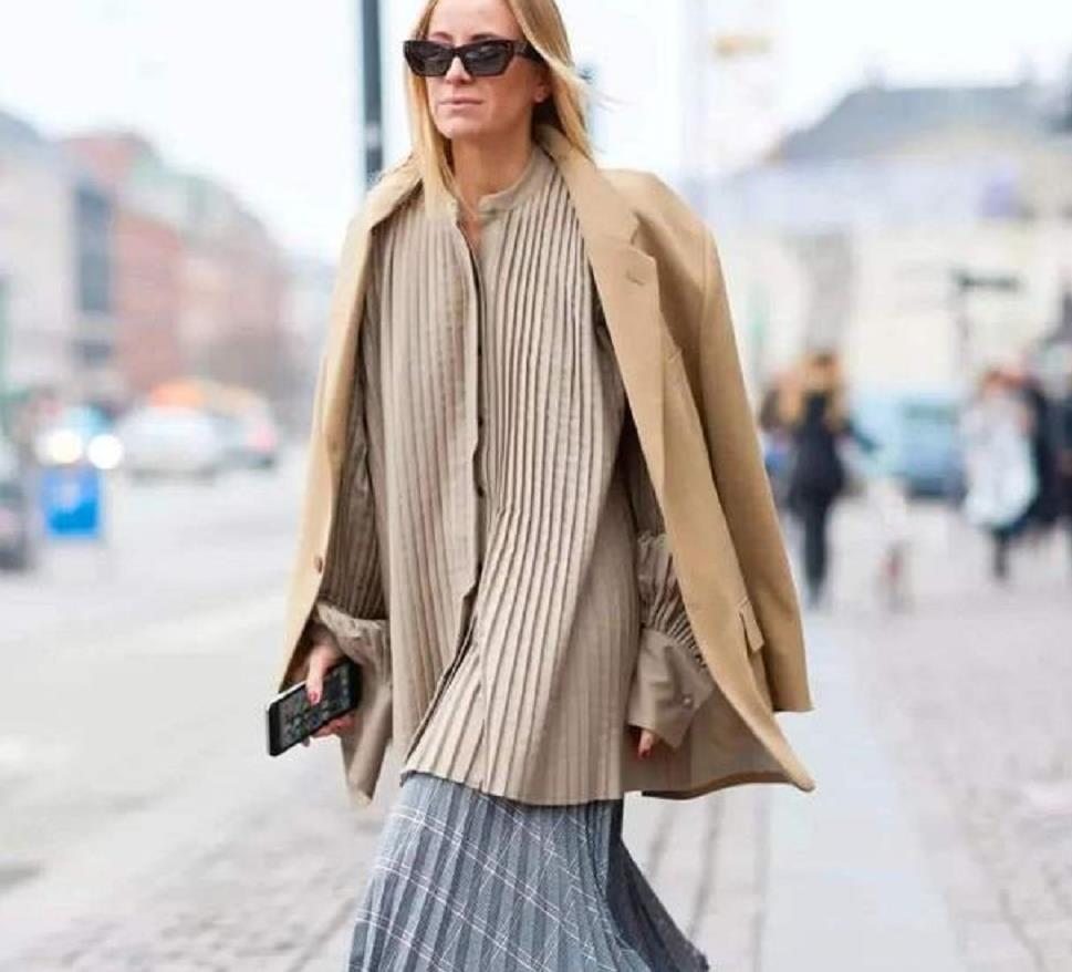 """最近火了一种新潮流叫""""裙中裤"""",潮范儿十足,时尚达人"""