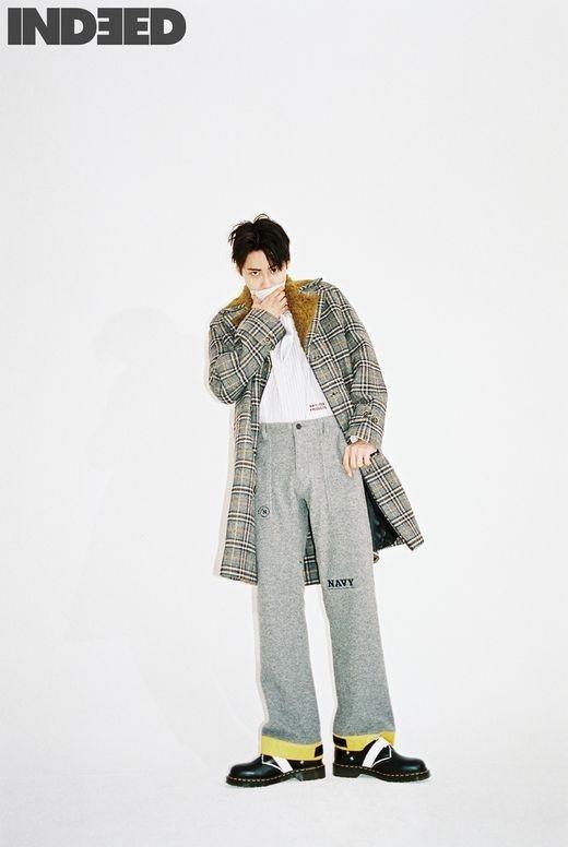 李镇赫通过写真展现男性魅力 演绎出时尚感十足的气氛