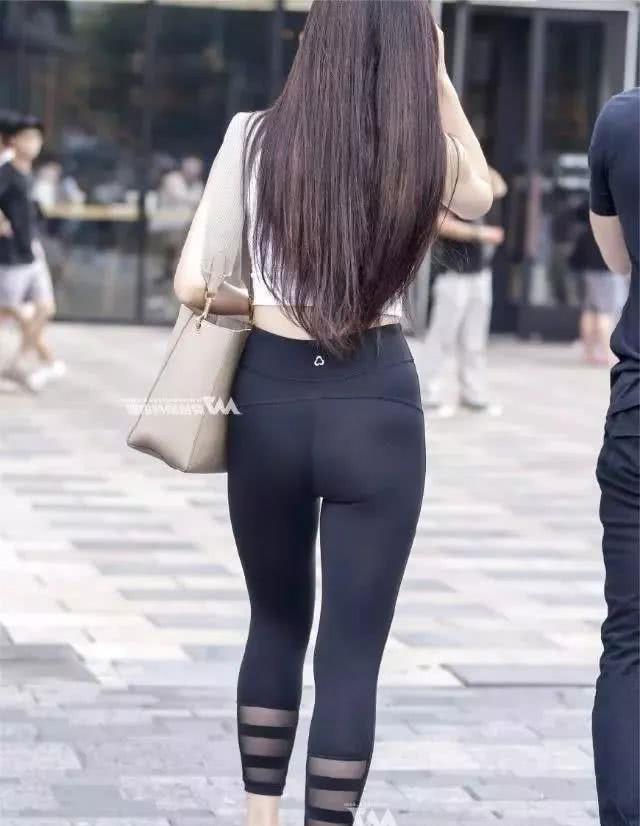 打底裤的简单时尚,会让你的美历历在目!