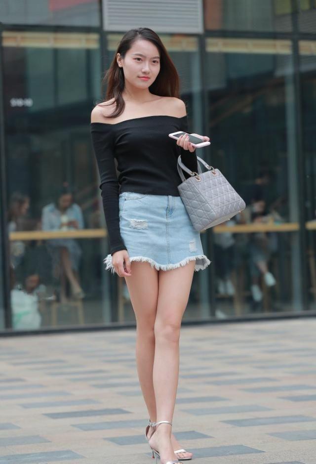 清新淡雅的穿搭技巧,时尚休闲的一步裙,适合追赶潮流的女生