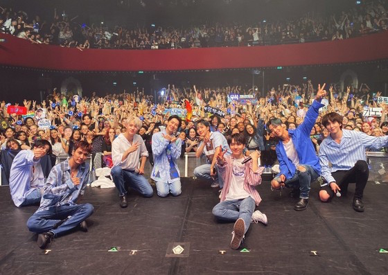 PENTAGON首次世界巡回的欧洲公演结束
