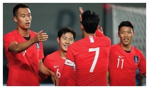 世预赛最疯狂一夜!中日韩澳狂轰26球,国足跟上亚洲强队节奏
