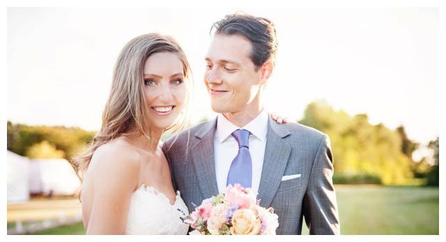 美国男子不让未婚妻买贵婚纱,这件事在互联网上引发了热议