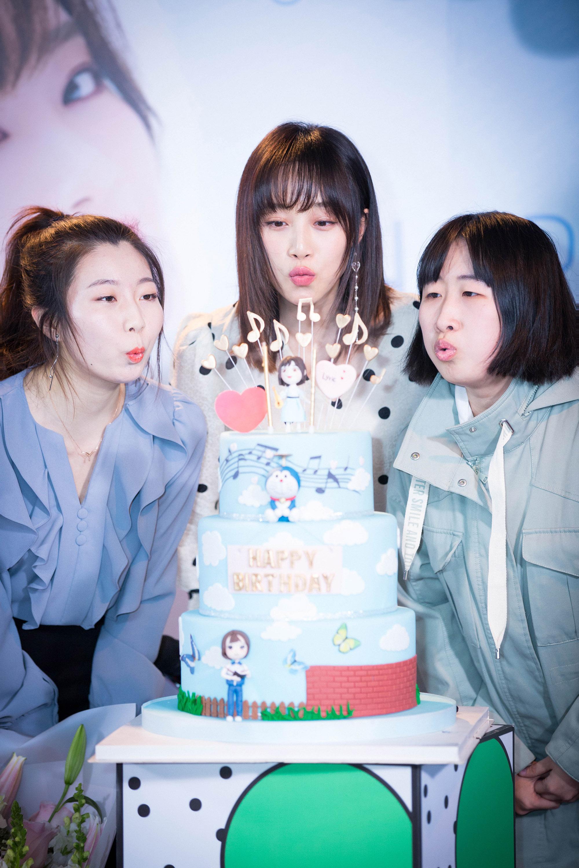 藍盈瑩生日會手語表演《我相信》 暖心超甜互動寵粉力圖片