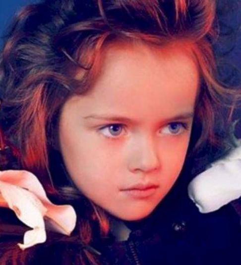 """俄罗斯一名只有8岁女孩,竟被称为是""""世界最小女模特""""图3"""