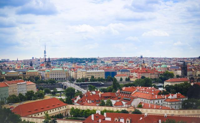 这座欧洲小城,因周杰伦来拍婚纱照走红,却没人知道真正的取景地