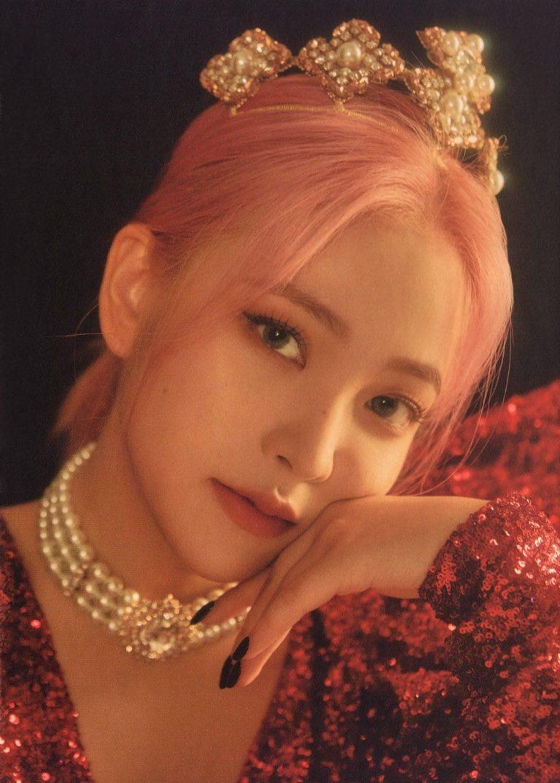 Red Velvet金艺琳在最新的音乐会上证明了她的成熟
