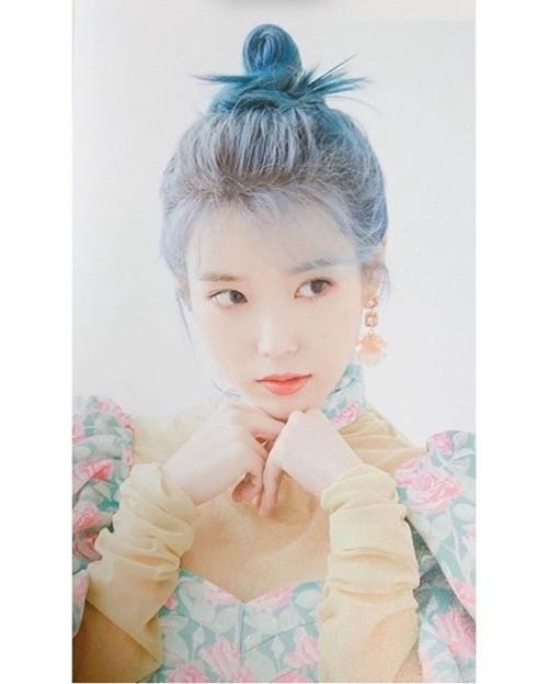 IU穿着LANG n LU时装 像妖精一样的视觉效果