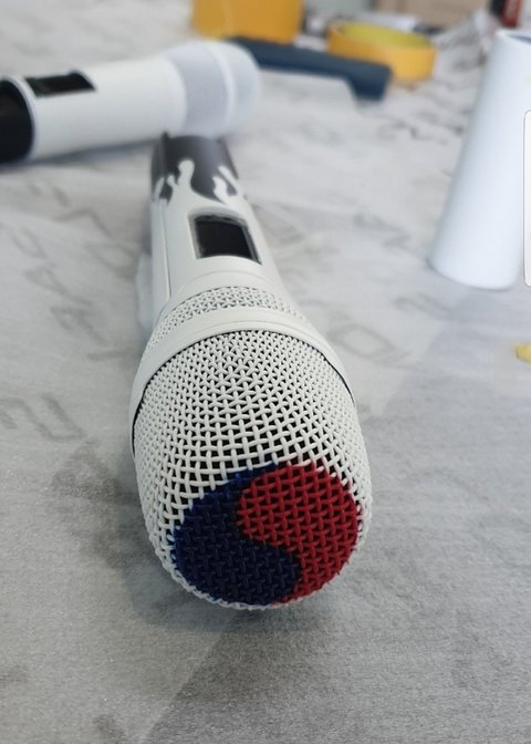 这是防弹少年团的新话筒的样子 非常漂亮