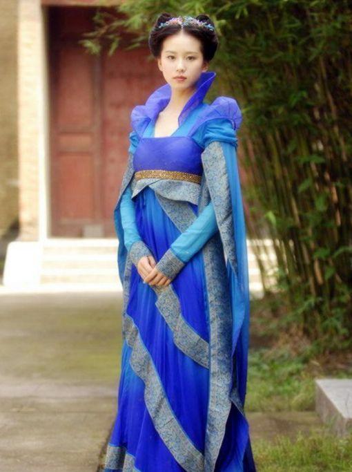 有一种裙子叫刘诗诗的广袖流仙裙,轻盈飘逸,网友:不敢穿