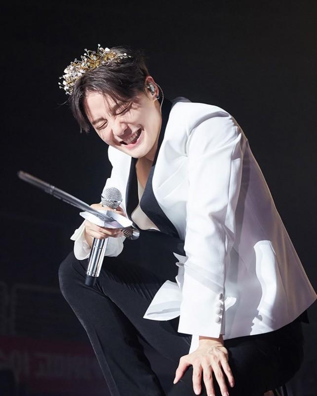 金俊秀时隔3年首尔年末演唱会决定!那个歌声回来了