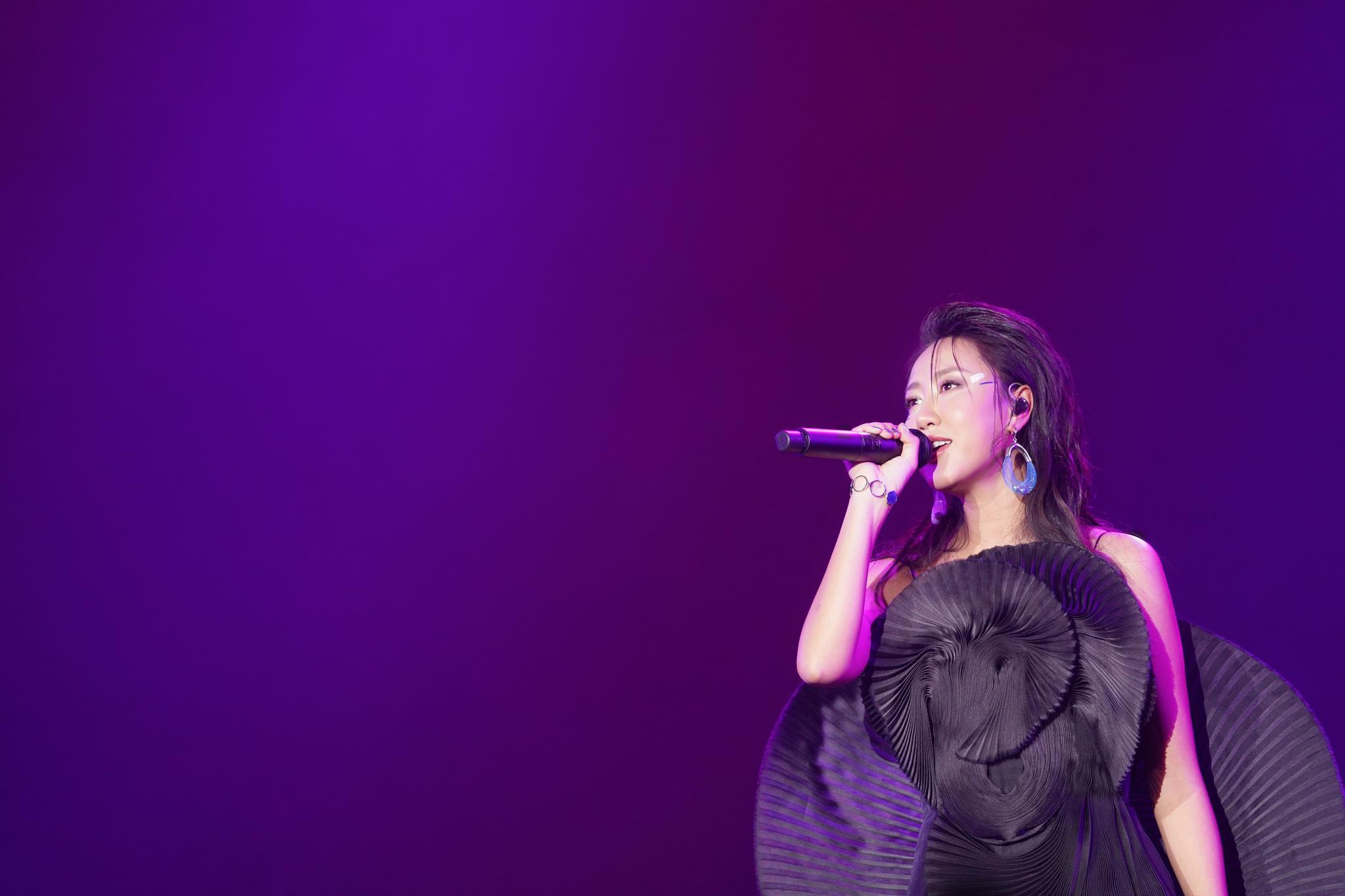 """陈粒""""洄游""""巡演杭州开唱 在真实的空间里还原虚无"""