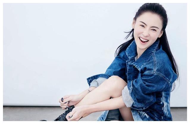 张柏芝被曝产三胎后首露面,看到她的面容,是否生育一目了然