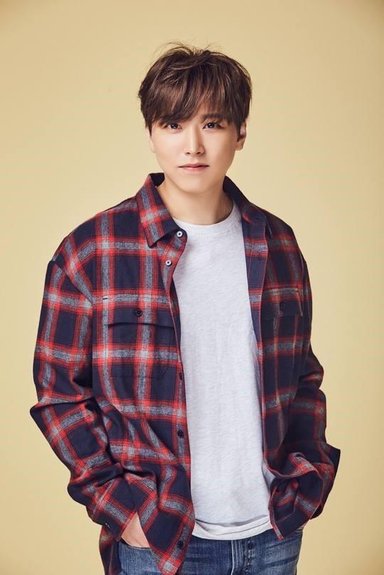 SUPER JUNIOR李成民将于11月solo出道 SM:正在准备第一张专辑