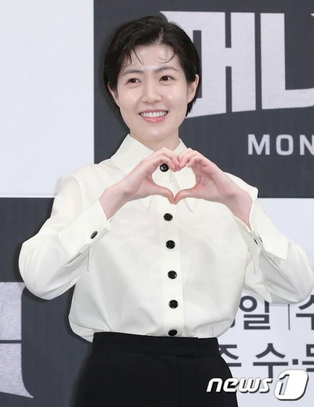 沈恩敬凭借电影《新闻记者》提名日本奥斯卡最佳女主角