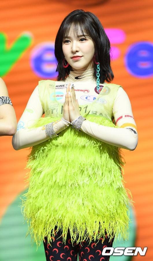 Red Velvet向粉丝报告Wendy孙胜完住院近况 没有痛苦表情正在恢复中