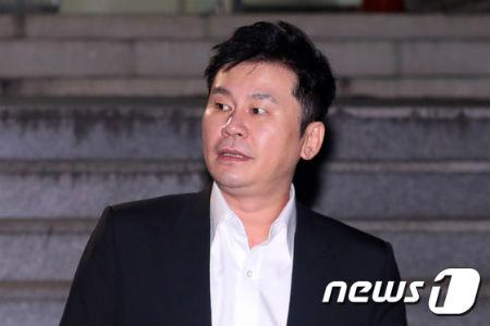 前YG代表梁玄锡14小时后回家 诚实接受调查