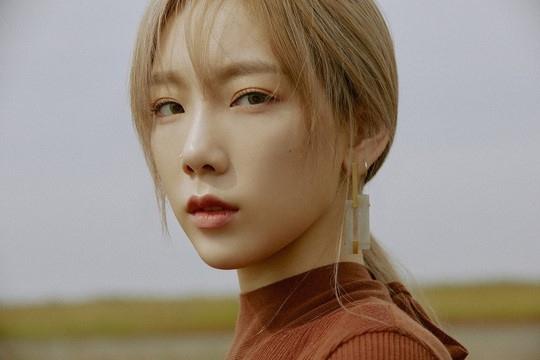 少女时代金泰妍公开新曲《Wine》高光剪辑眼神深邃