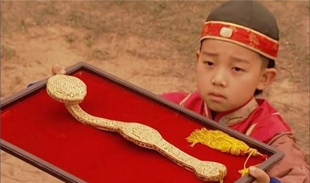 雍正儿子中,弘历年龄小又没后台,何以能继承皇