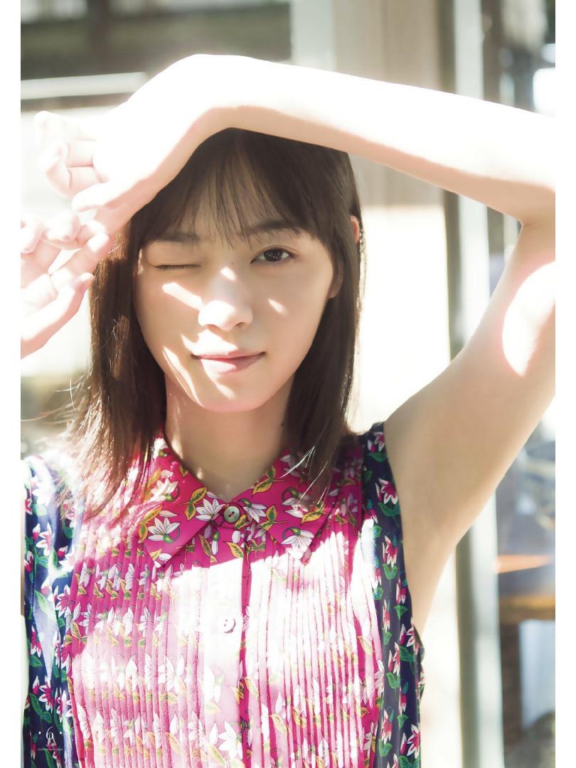 西野七濑乃木坂46毕业后首次的少年杂志登场皮肤白皙肌肤耀眼