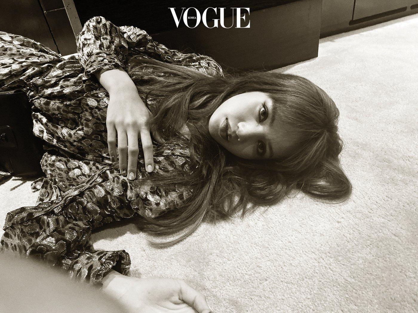 BLACKPINK的Lisa在《Vogue》韩国版上野狂野美女