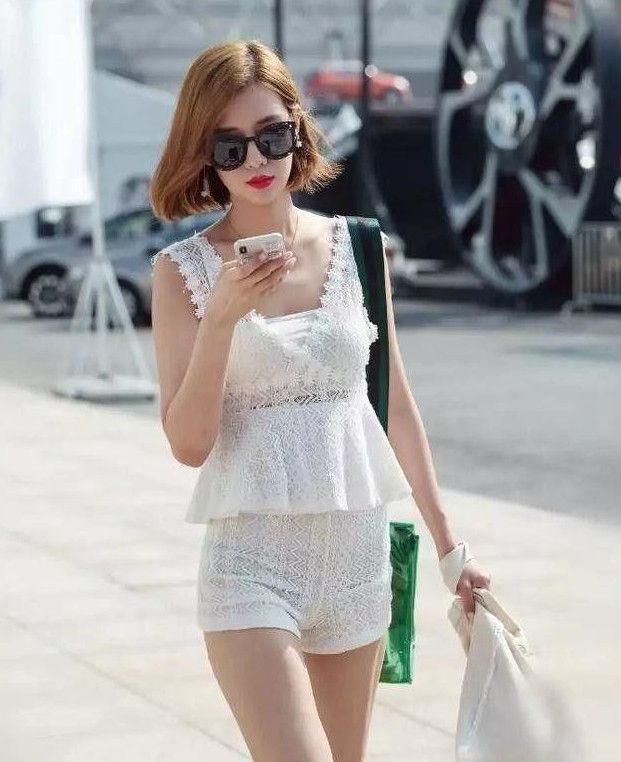 祼体美女囹�a���:jk:-f�ab_街拍:东菀街头的几位美女,有没有让你一见钟情的那一个呢?