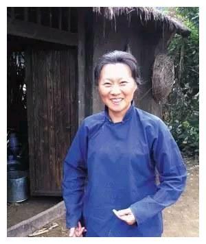 《乡村爱情》走红的赵海燕,戏中土里土气,现实中却潮流时尚