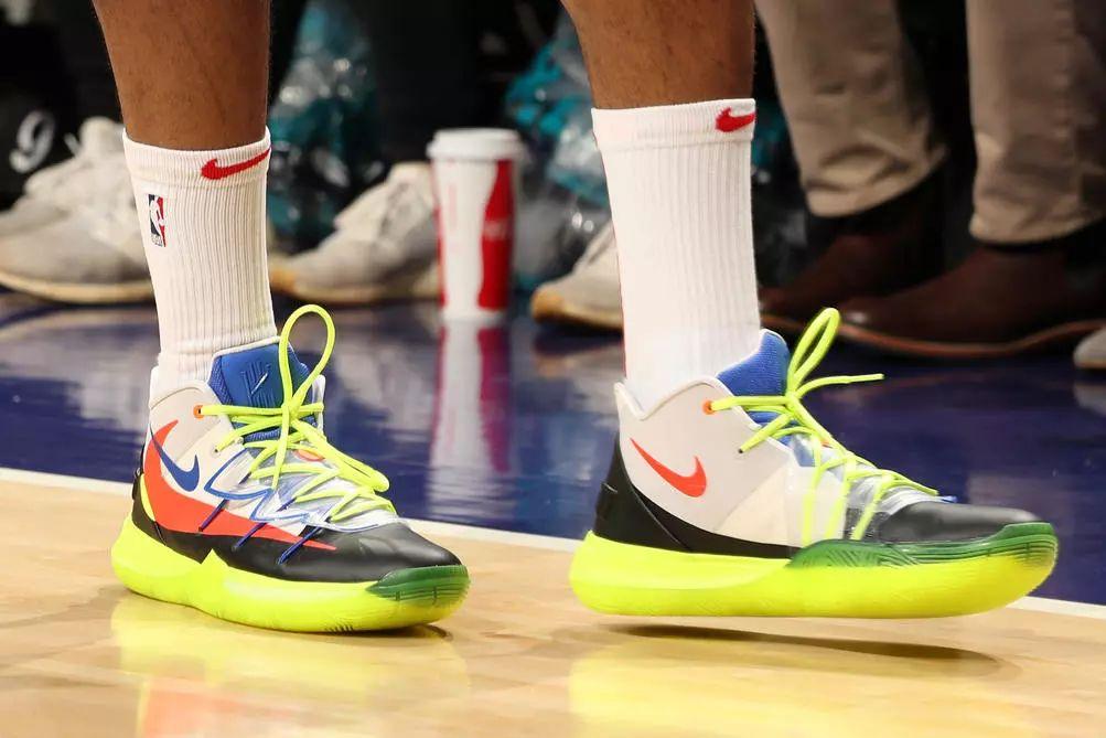 第20世纪的周NBA鞋头榜丨韦德绝杀被李宁抢镜?AJ新战靴助|李宁