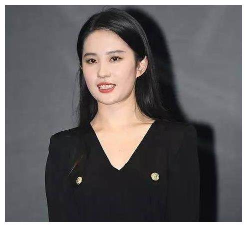 """视觉中国的摄影师是女星""""噩梦""""!杨幂热巴、赵丽颖,无一幸免"""
