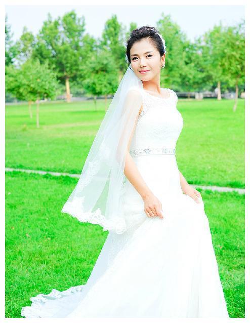 穿起婚纱的女星,是这样子的,最美的一个却是她