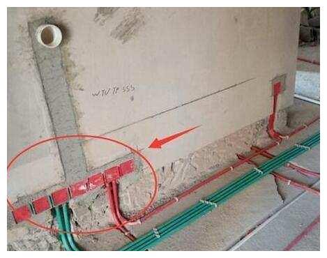 我家卫生间没装挡水条,学潮流这样装地漏,比挡水条好用十倍!