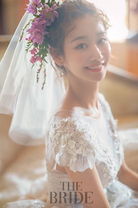 """""""怀孕中""""的白宝蓝和同年的企业家普通人结婚 计划不公开举行婚礼"""