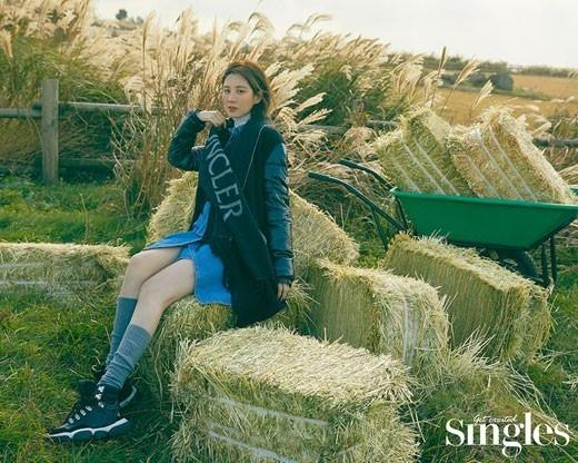 徐玄公开在济州岛拍摄的写真 用简单的时尚突出的美