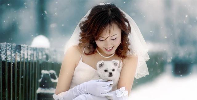 秋冬新娘怎么穿婚纱才不冷?这个神器保暖又美貌,婚后还能用