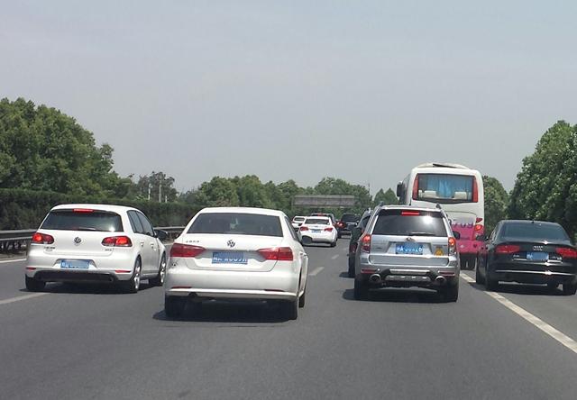 新手司机开车上高速 这五种行为一定要注意